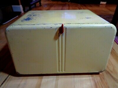 Vintage 1950's Metal Bread Box Pie Safe BEAUTY BOX by Lincoln Beautyware