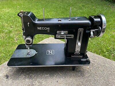 Necchi BU NOVA Sewing Machine Zig-Zag Made In Italy