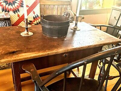Antique American Wooden Keeler In Original Painted Surface