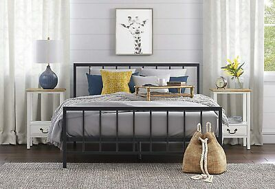 Click Décor Evans Queen Bed, Black