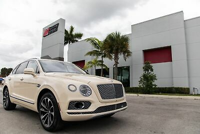 2017 Bentley Bentayga W12 2017 BENTAYGA W12 - ONE OWNER FL CAR - WELL OPTIONED - PANO SUNROOF