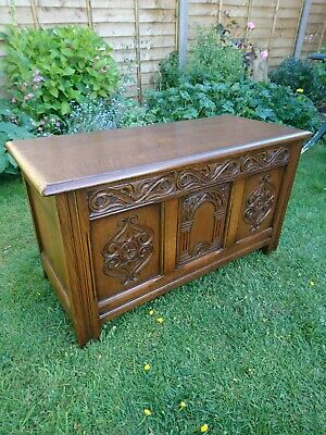 QUALITY CARVED SOLID OAK BLANKET BOX COFFER Excellent Condition