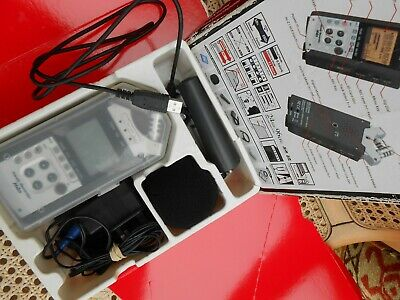 ZOOM H4n ext Digital Recorder Boxed Windshield,Tripod Manuals, Memory Card Leads