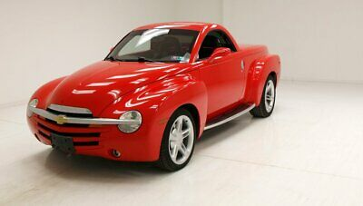 2004 Chevrolet SSR  Retro 1940's Design/Automatic Hardtop/Plenty Of Storage/5.3 Liter V8 EFI