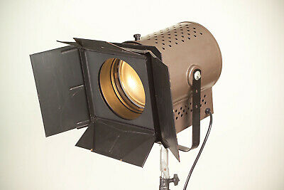 Fresnel Flash spotlight for photography