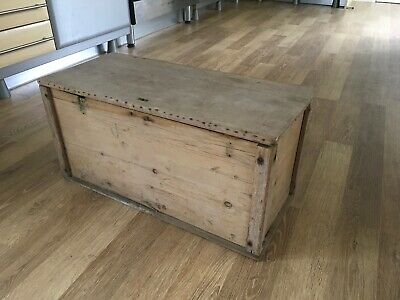Small Stripped Pine Chest/Trunk .