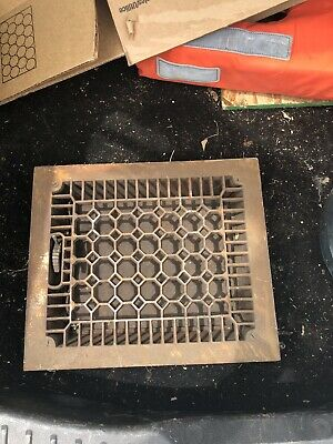Nice Atr Deco Looking Grate In Good Working Condition