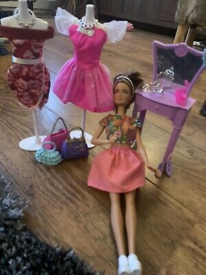 Barbie Fashion Doll, Mannequins And Dressing Table