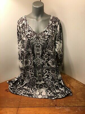 Live and Let Live Woman Tunic Top Black White Embellishment Galore So Pretty 3X