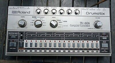 Awesome Roland TR-606 Analogue Drum Machine