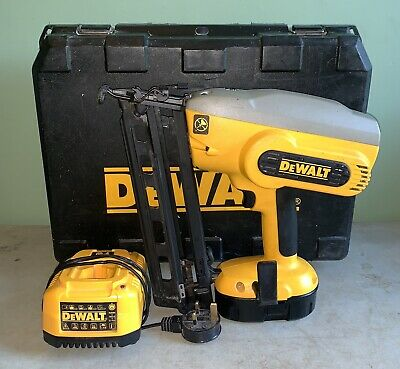 Dewalt dc618 Second Fix Nail Gun With 1.3ah Battery And Charger