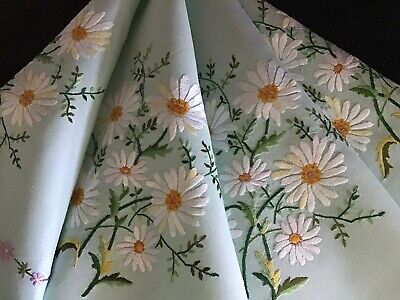 Exquisite Vintage Green Linen Hand Embroidered Tablecloth~Marguerite Daisies