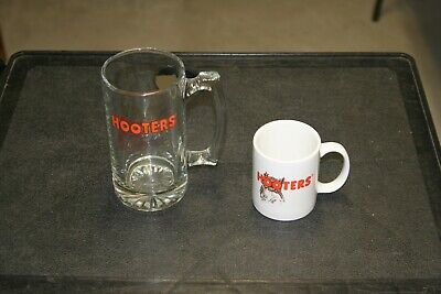 Hooters Restaurant Beer Mug / Coffee Cup Set - Excellent Condition.  Nice!!