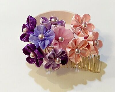 Japanese Kanzashi Flower Hair Comb in Sakura Flower Design with Tassle