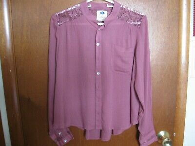 Blouse wlth Lace, Dusty Rose, Button Front Top, Womens sz. Small, NEW