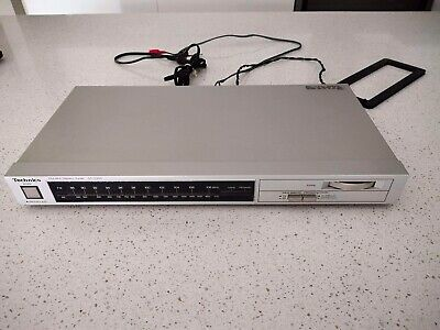 Vintage TECHNICS ST-Z200 FM AM Stereo Tuner (Made in Japan)