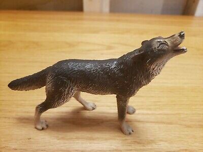 Vintage Breyer Wolf #3814 Plastic Animal Molding Co. - 6 Inch Long