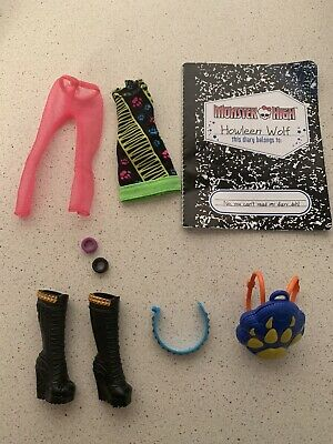 Monster High Howleen Wolf Clothes Shoes Accessory Outfit Set