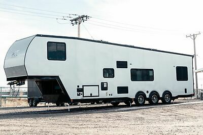 INSANE PRICE ATC 40' Fifthwheel ARV Enclosed Toy Hauler Camper Trailer LOADED!
