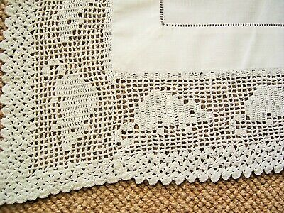 Vintage White Butlers Cloth - Crochet Lace - Unusual Mouse  Pattern