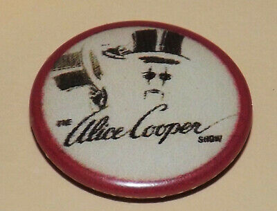 BADGE PIN 25mm ALICE COOPER SHOW ROCK GLAM HEAVY METAL  MUSIC BUTTON OLD BAND