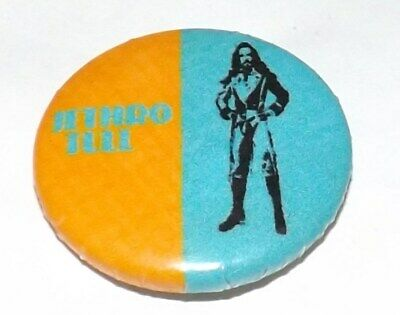 BADGE PIN 25mm JETHRO TULL PROGRESSIVE ROCK FOLK MUSIC BUTTON PINBACK OLD BAND