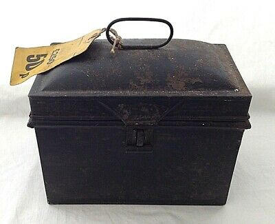 Antique box lunch tin or deed tin ? Small good decoupage project
