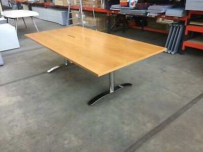 Stunning Boardroom Table, Immaculate Condition 240 x 120 cm, Conference, Meeting