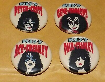 LOT X 4 BADGE PIN 25mm KISS ROCK GLAM MUSIC GENE PETER ACE PAUL BUTTON OLD BAND