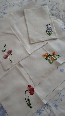 "4 Vintage Huckabee  Guest Towels. Hand Embroidered   20"" X14""used"