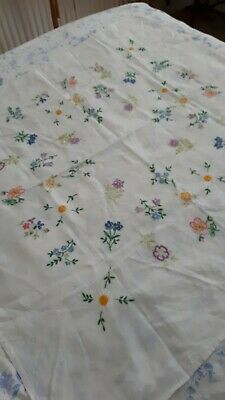 """vintage hand embroidered linen tablecloth 39""""×40"""" aprox. Used"""