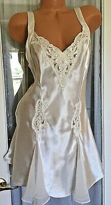 VICTORIA SECRET VINTAGE IVORY Cream Lace Bling Pearls Cami Slip Chemise Gown Med