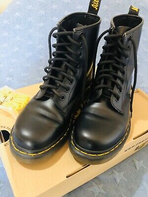 Dr Martens AIR WAIR 1460 Black Smooth Unisex Leather Lace Up Boots EUC UK3 US4/5