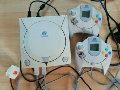 SEGA Dreamcast White Console with Controllers and Games Bundle. Tested, Working