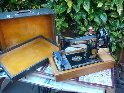 Antique Old Vintage Hand Crank  Singer sewing machine Model 27K or 28K See Video