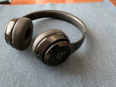 Beats by Dr. Dre Solo3 Wireless Over the Ear Headphones - Gloss Black 6-02