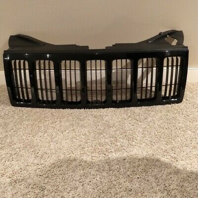 08-10 Jeep Grand Cherokee Grille