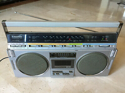 Vintage SILVER ST777 radio cassette recorder boombox