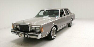 1989 Lincoln Town Car Cartier Excellent Paint/Padded Landau Top/Leather Interior/Cartier Edition