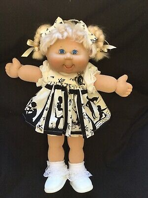 Cabbage Patch Kid Doll. Dress Set. Little People. No Doll.