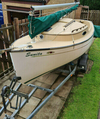 Trailer Sailer 17ft Sun Cat on RM trailer. Quick & Easy to set up