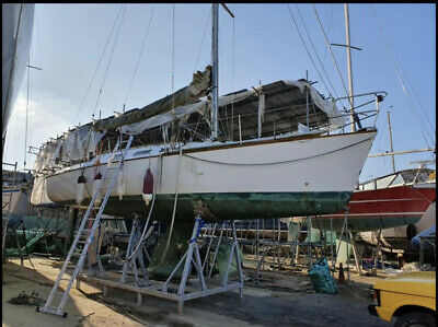 Project yacht 35ft Warwick Collins 35 cruiser racer or liveaboard project boat