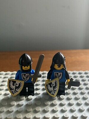2 Lego Vintage Black Falcon Knights Minifigures 1980/'s with accessories #6074