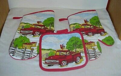 Set of 4 ~   Farm Rooster Truck Scene  Pot Holders   7 X 7  Free Shipping