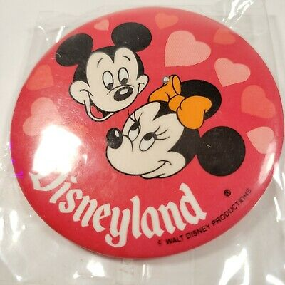 Vintage 1980/'s DisneyLand Mickey and Minnie Mouse ButtonDisney Collectables
