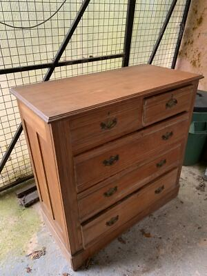 Lovely vintage solid pine chest of drawers