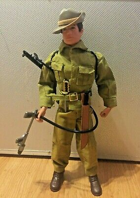 Vintage Action Man 40th loose Australian jungle fighter VC Victoria cross medal