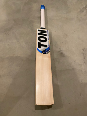 Pro issue cricket bat SG Players Edition
