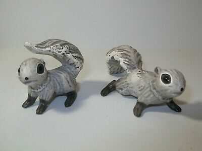 Hagen-Renaker DW Robyn Sikking Chatter Matte Grey Squirrel Figurines Black Feet