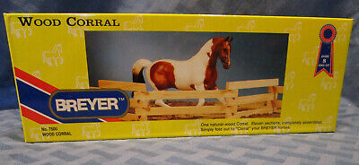 Breyer Wood Corral, For traditional size Horses, #7500, NRFB